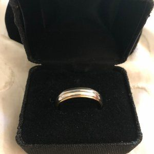 Other - Wedding Band in 18K Yellow Gold and Platinum